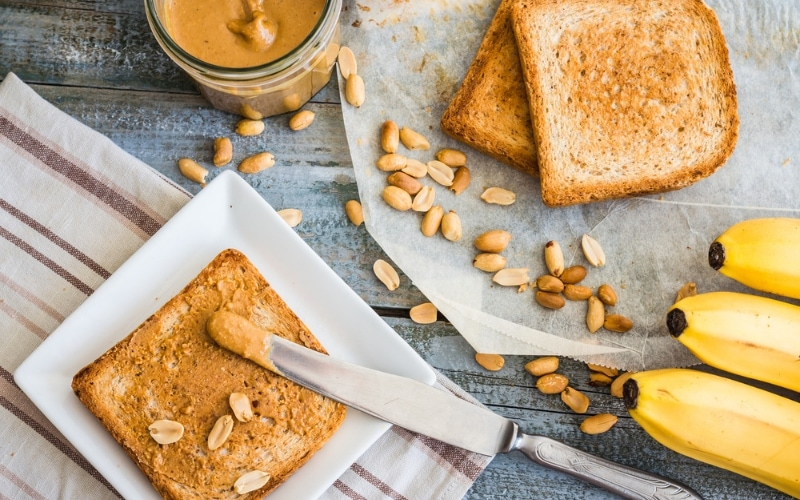Think you can't get enough protein on a vegan diet? How do vegans get protein? These vegan protein sources will make you forget about meat. Plus, 40 high-protein vegan recipes! #veganproteinsources